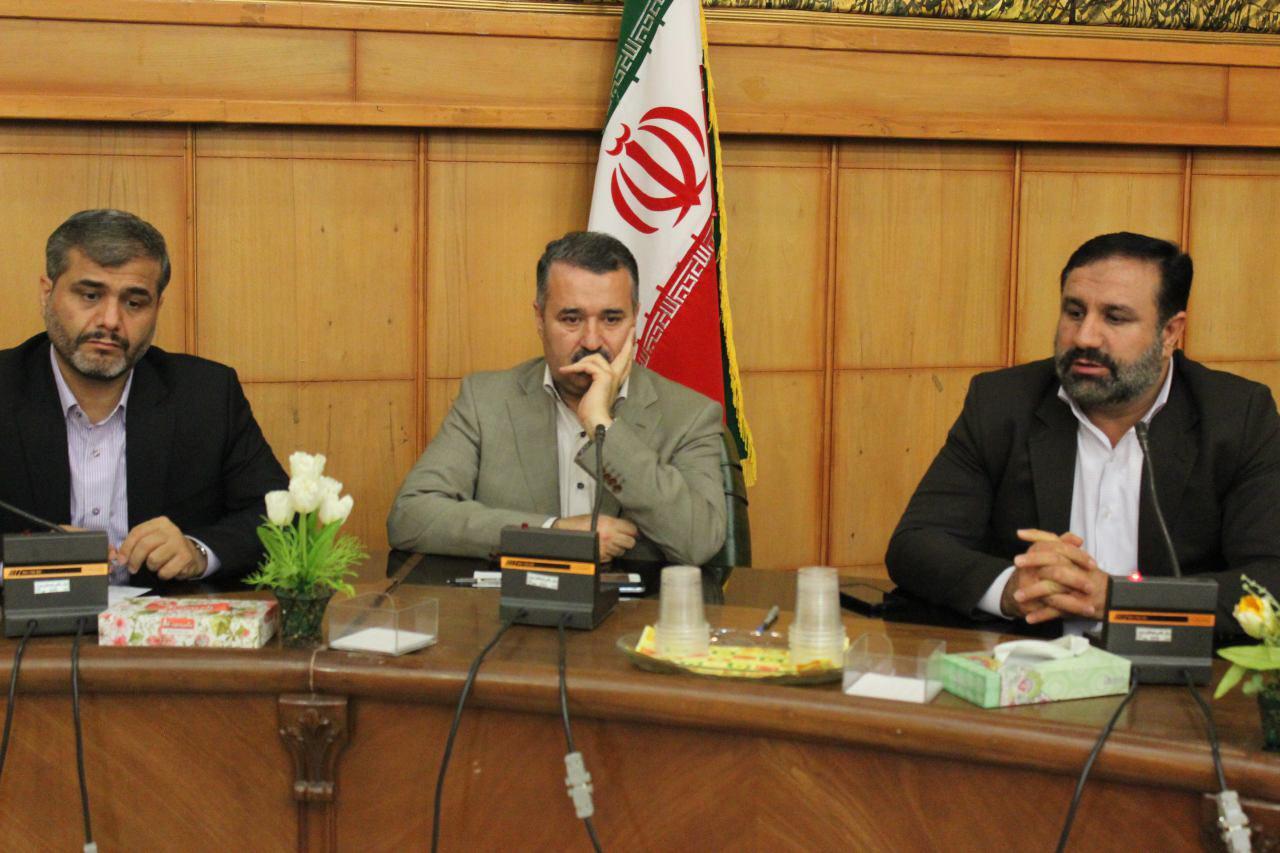 نشست مشترک اعضاء هیات مدیره کانون وکلای دادگستری منطقه فارس با رئیس کل دادگستری استان فارس و سایر مسئولان قضائی استان و شیراز